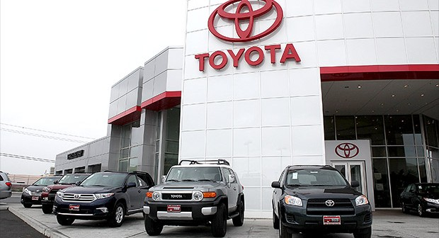 toyota motors corp nyse tm beats volkswagen ag etr vow in global sales. Black Bedroom Furniture Sets. Home Design Ideas